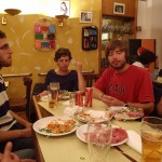 """Essen und alkoholfreie Getränke in der """"Bar della Crocetta"""" in Mailand"""